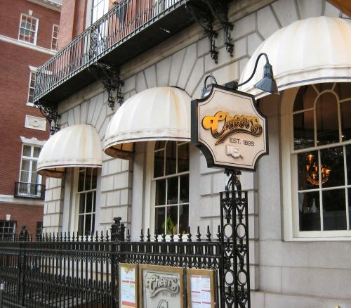Cheers_bar,_Boston