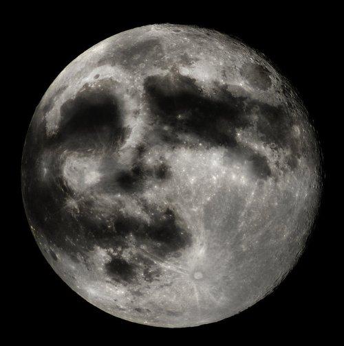 man_in_the_moon_by_pear_pear-d56txq0