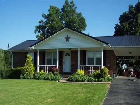 Our first house in Memphis looked a lot like this - $17, 325.00 in 1964